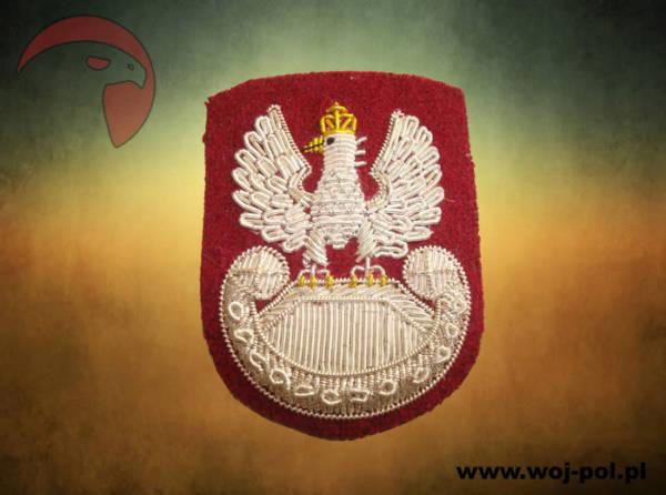 Orzełek haftowany bajorkiem na beret czerwony Żw