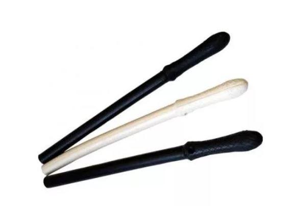 Pałka gumowa krótka biała 44 cm