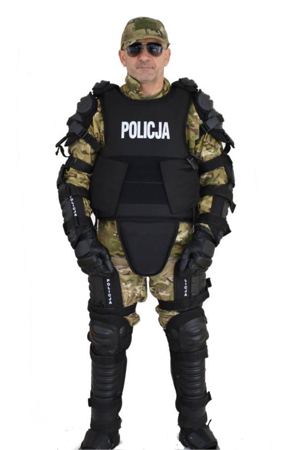 Zestaw przeciwuderzeniowy policja